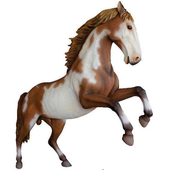 Конь на дыбах